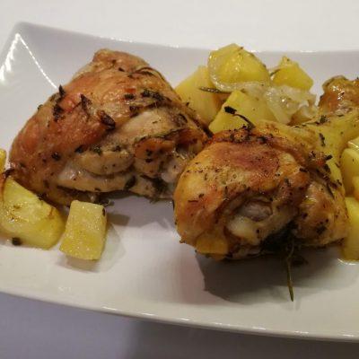 Pollo marinato e cotto al forno